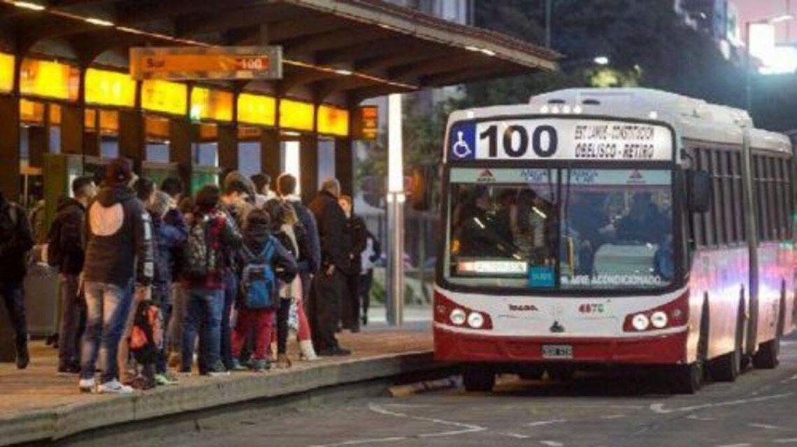 Colectivos: Transporte se comprometió a acreditar compensaciones pendientes de 2020.