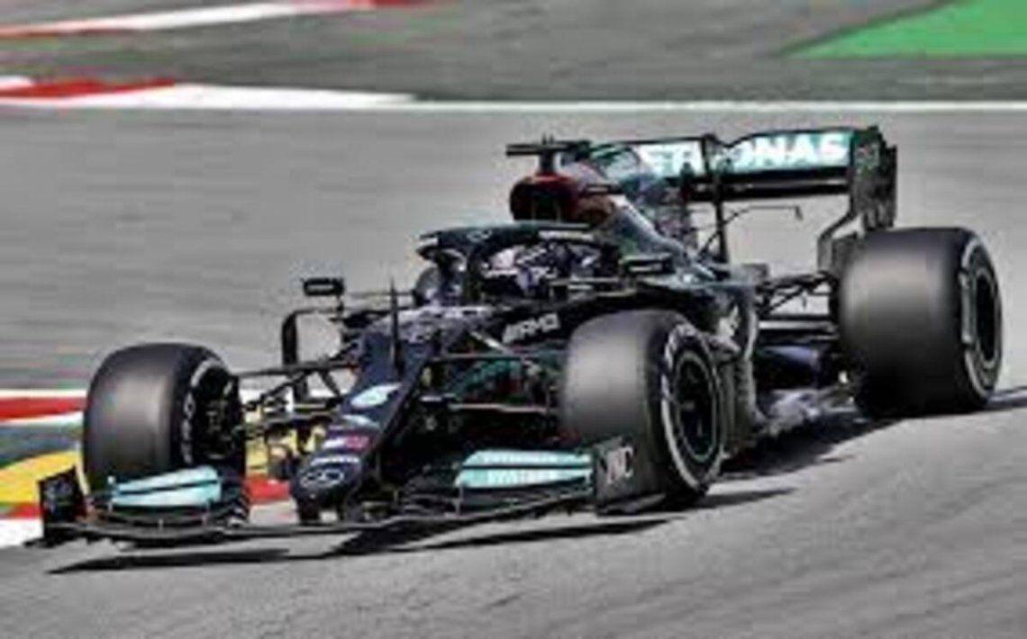 Lewis Hamilton fue el más rápido en Barcelona