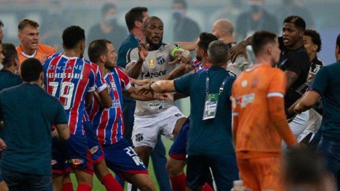 Batalla campal en final de fútbol del Nordeste de Brasil