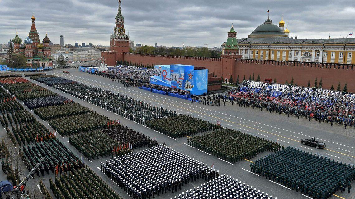 El desfile fue encabezado por el presidente Putin y ha estado protagonizado por 12.000 efectivos.