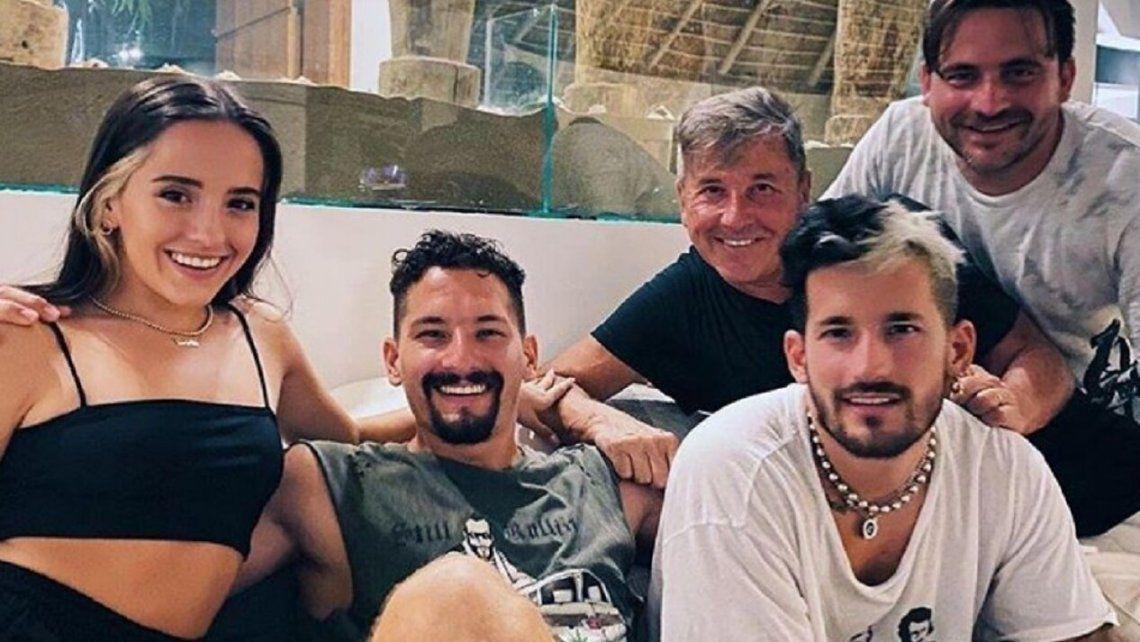 Ricardo Montaner y sus hijos presentan el show Solo una vez