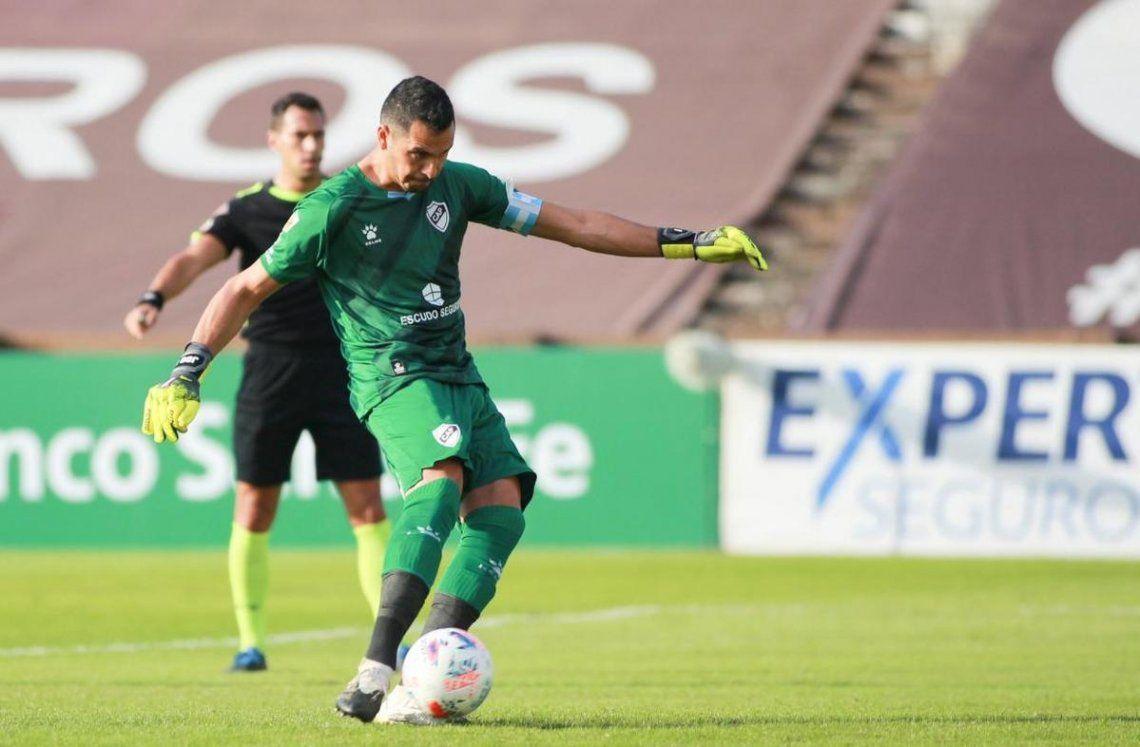 Rosario Central fue goleado 4-1 con Platense y perdió las chances de seguir en la Copa de la Liga.