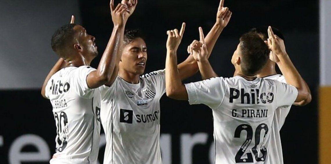 Santos sigue en Primera hasta 2022.