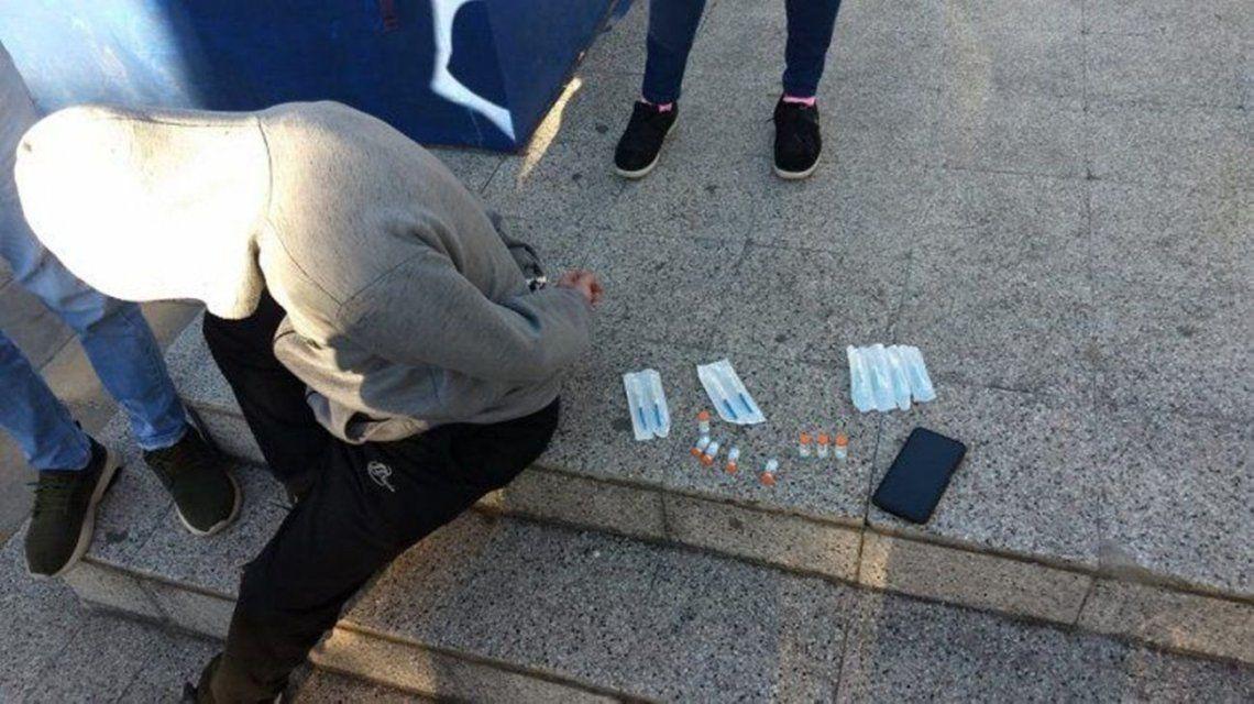 Berisso: detienen a un hombre por vender supuestas vacunas Sinopharm