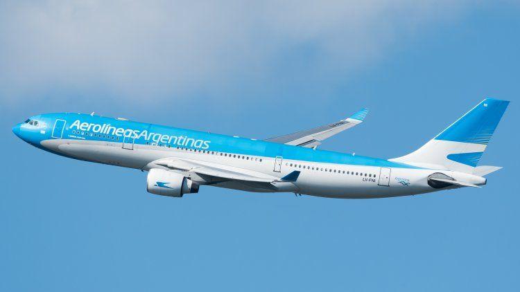 Parte un nuevo vuelo de Aerolíneas a Moscú en busca de Sputnik V