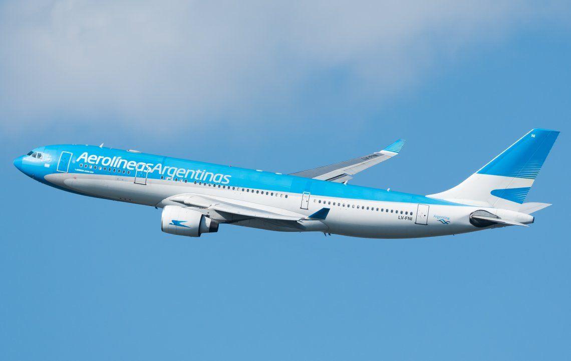 Parte un nuevo vuelo de Aerolíneas Argentinas hacia Moscú en busca de vacunas Sputnik V