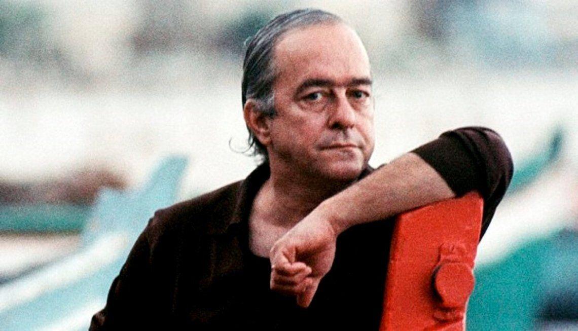 Vinicius de Moraes es considerado como uno de los mejores poetas en lengua portuguesa y como el padre de la Bossa Nova.