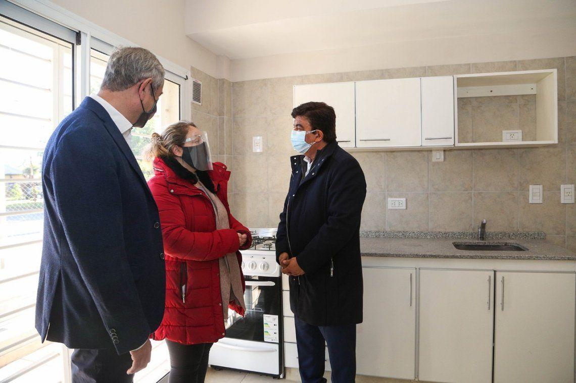 Espinoza entregó 31 nuevas viviendas del Procrear en Ciudad Evita