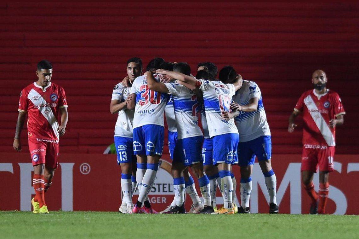 Argentinos Juniors perdió 1-0 ante la Católica por la Copa Libertadores.