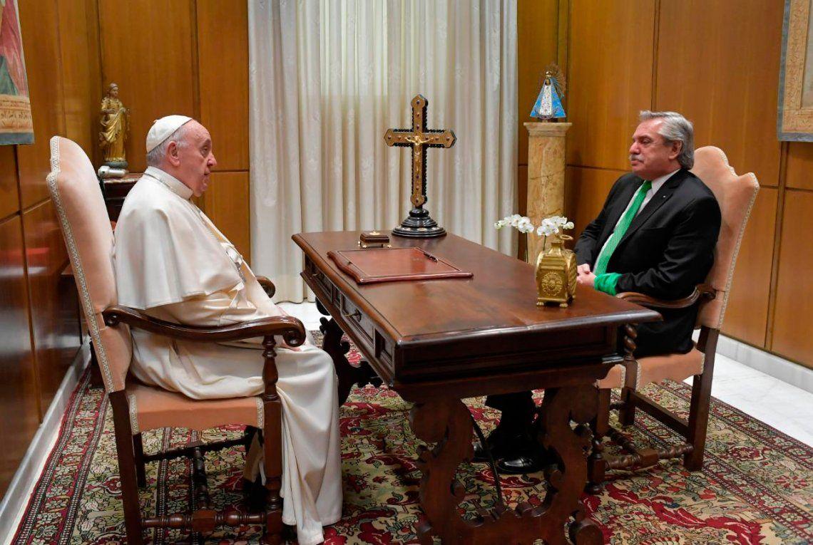 El Papa aplicó el frío de la diplomacia Vaticana a Alberto Fernández (foto retocada)