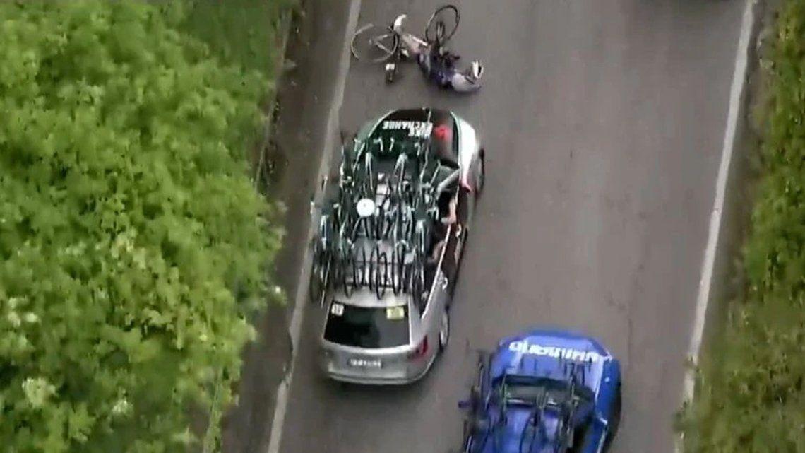 Italia: auto atropella a un ciclista en plena competencia