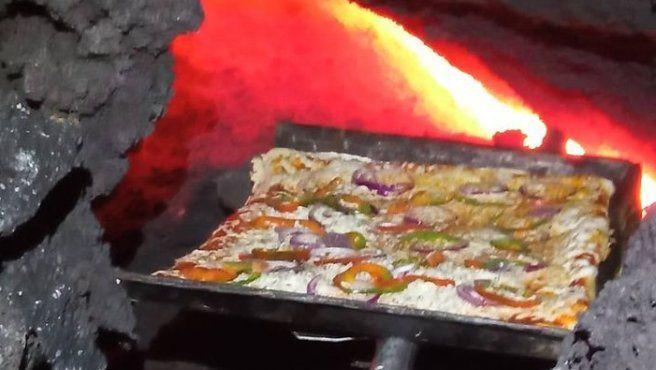 Guatemala: pizza a la lava.