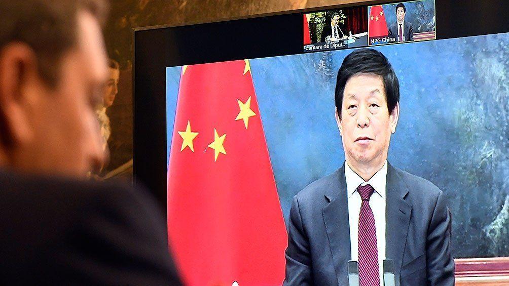 China respalda la renegociación de la deuda de Argentina con el FMI