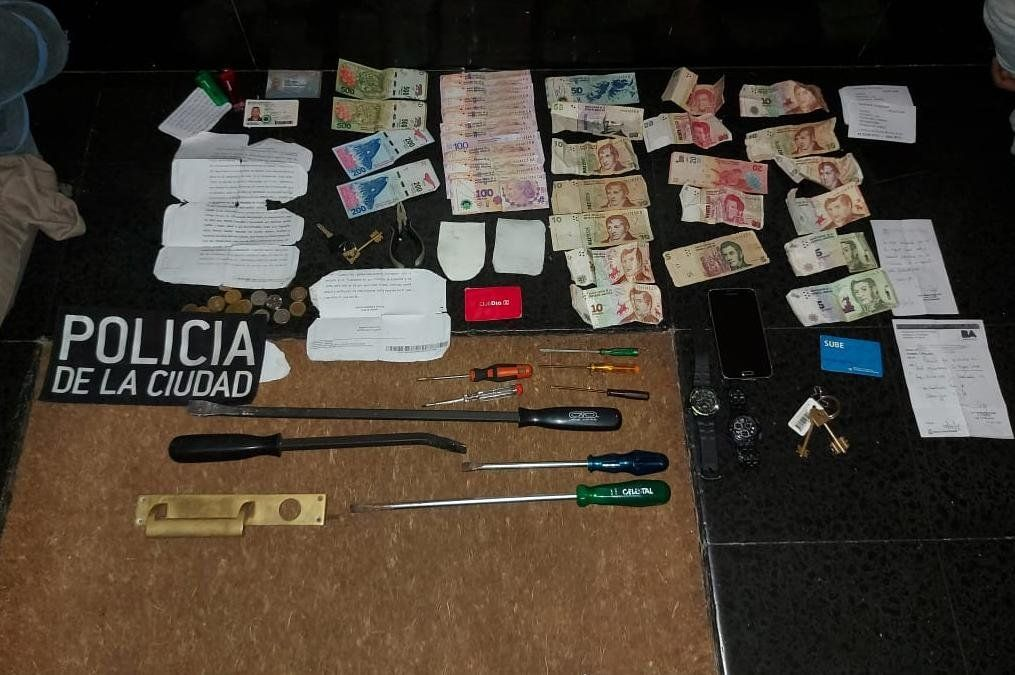 La Policía detuvo en Recoleta a dos ladrones de departamentos