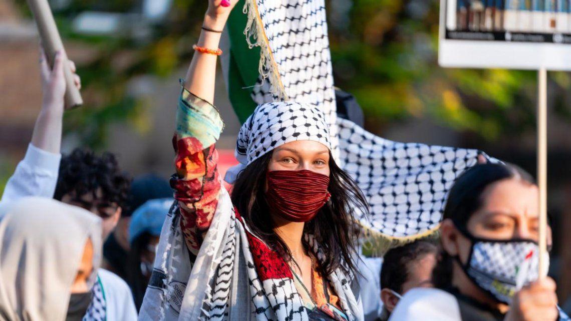 La modelo participó de una marcha en apoyo a Palestina el pasado domingo.