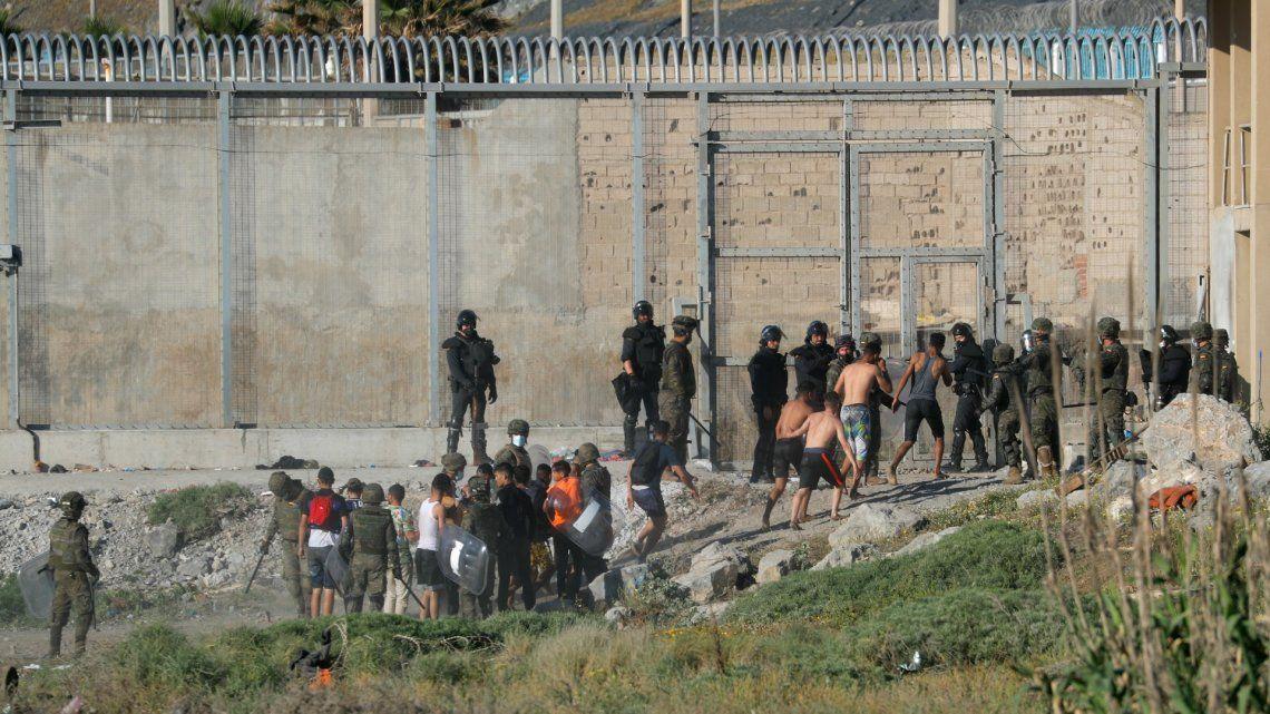 El gobierno español aceleró la devolución de los migrantes