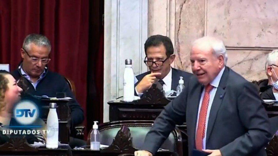 El diputado Jorge Enriquez fue retado por Massa