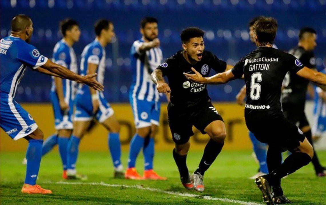 San Lorenzo le ganó 2-0 a 12 de Octubre por la Copa Sudamericana.