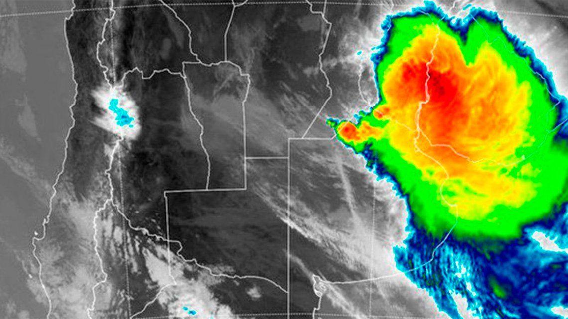 Buenos Aires en alerta debido a ciclones