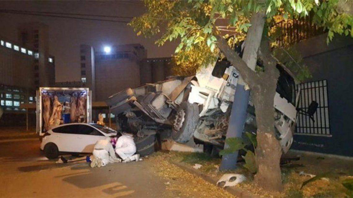 Córdoba: transmitían desde el lugar de un accidente y atropellaron a un hombre en vivo.