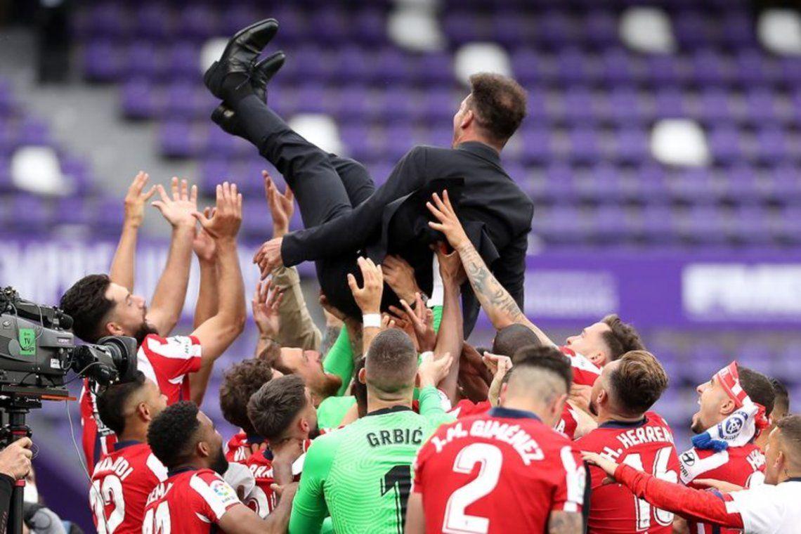 Diego Simeone festeja su octava consagración en el club.