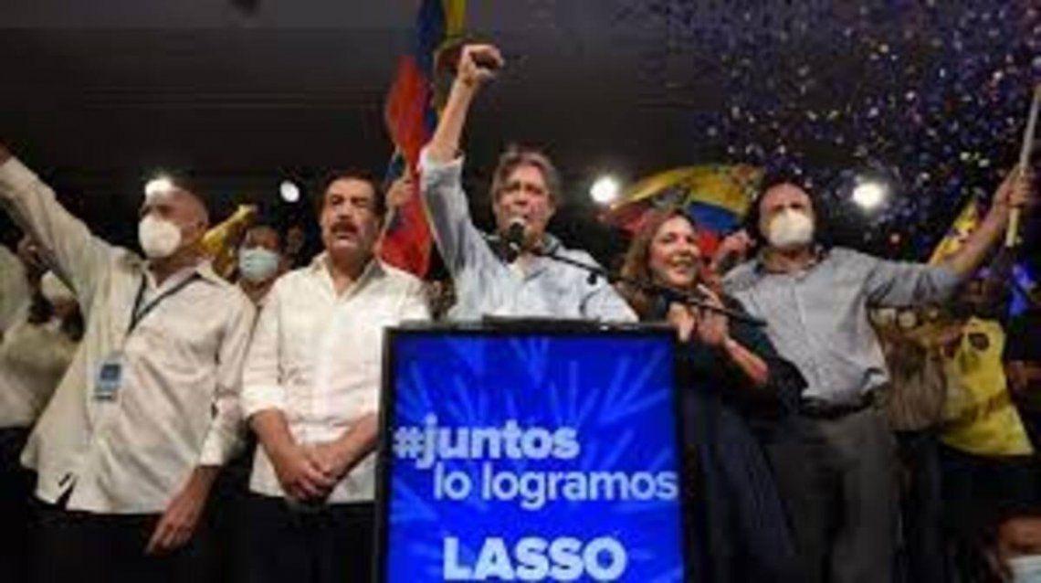 Guillermo Lasso asume como presidente electo de Ecuador.