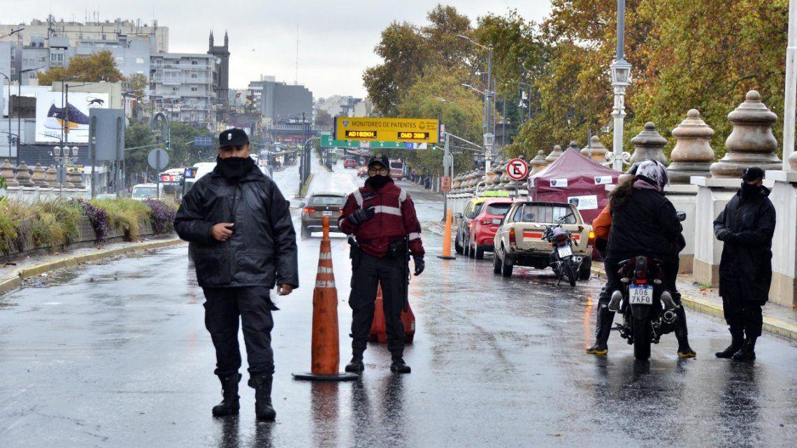 Los controles por las nuevas restricciones se realizaron principalmente en los diferentes puntos de la Ciudad.