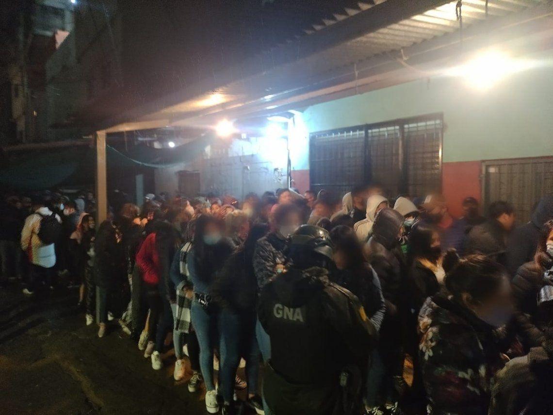 De la fiesta masiva participaron alrededor de 142 personas.