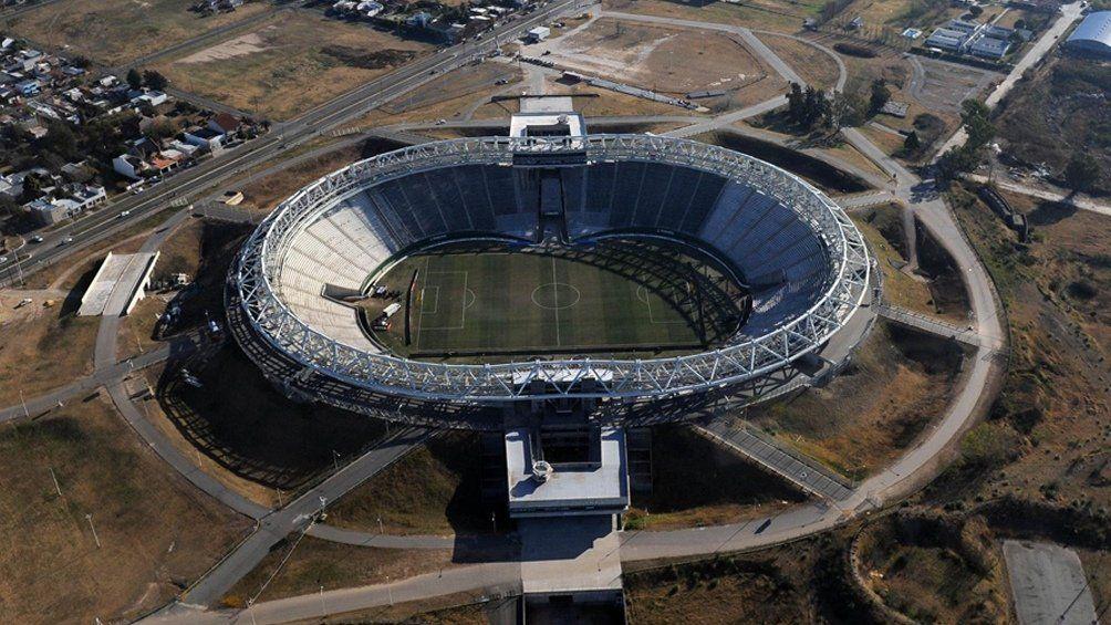 La Conmebol inspecciona el estadio de Estudiantes y el Unico como posibles sedes.
