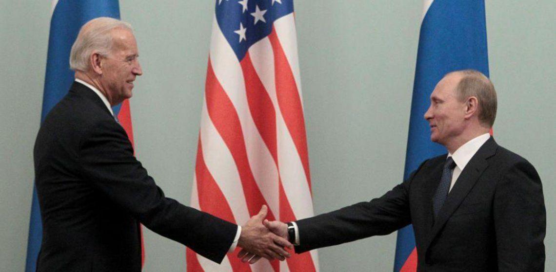 Putin y el entonces vicepresidente estadounidense se encontraron en Moscú en el 2011.