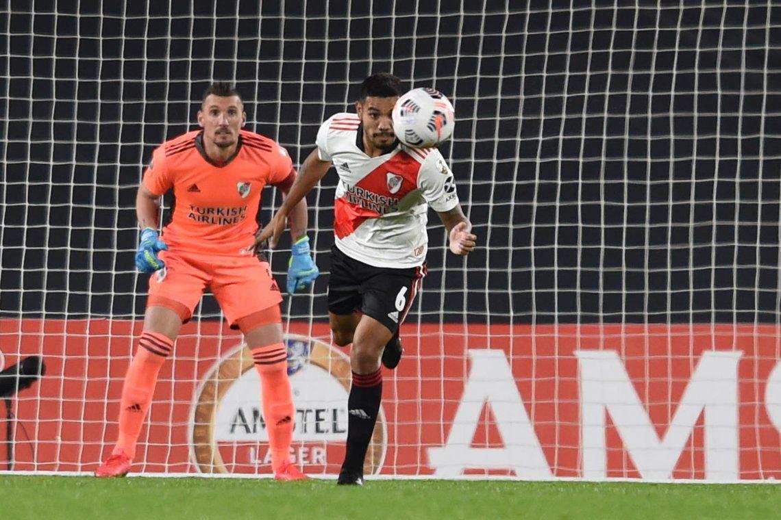 River sufrió en el Monumental pero festejó el empate en el duelo colombiano