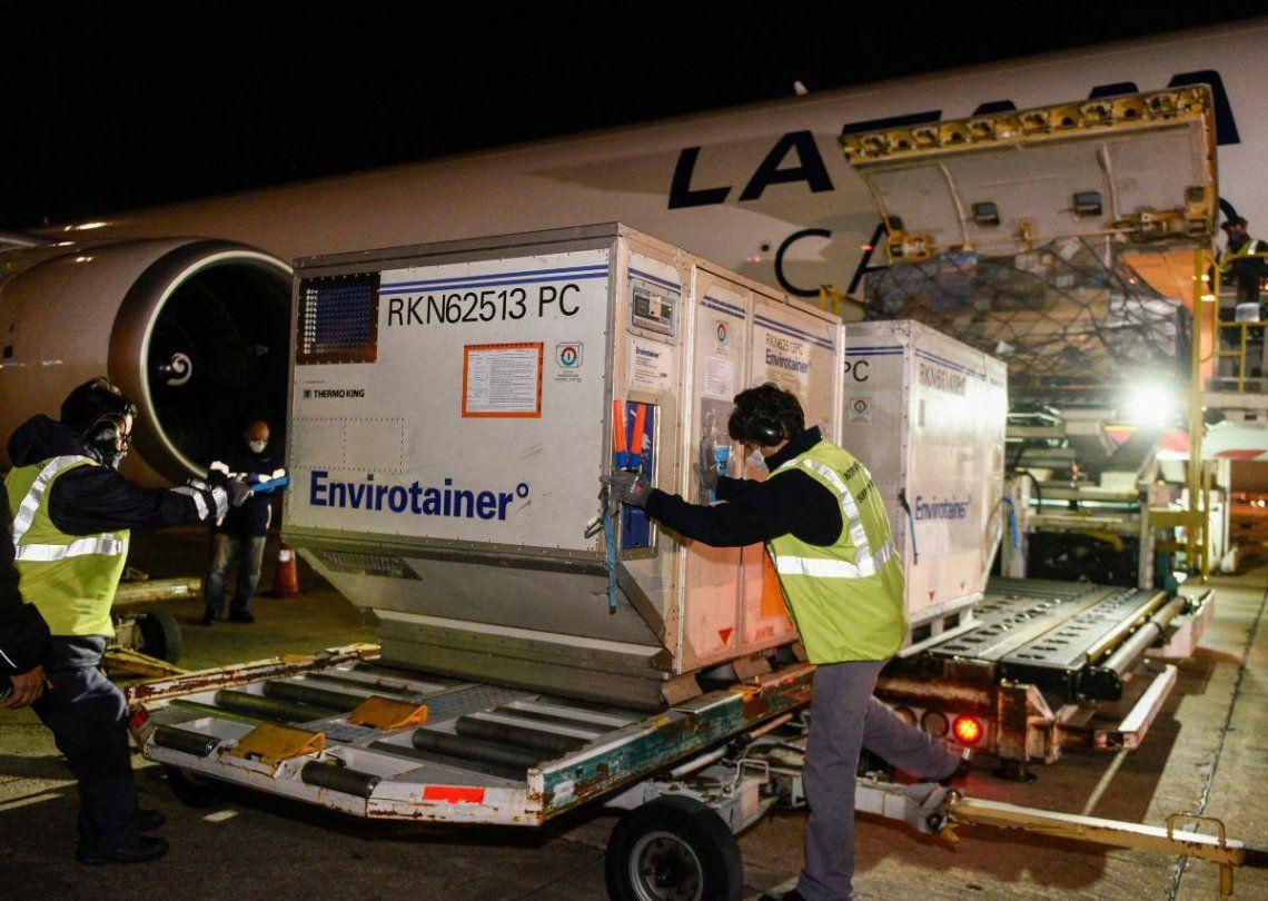 Las vacunas Sputnik V fueron cargadas anoche en el aeropuerto de Moscú y llegaron hoy a la Argentina.