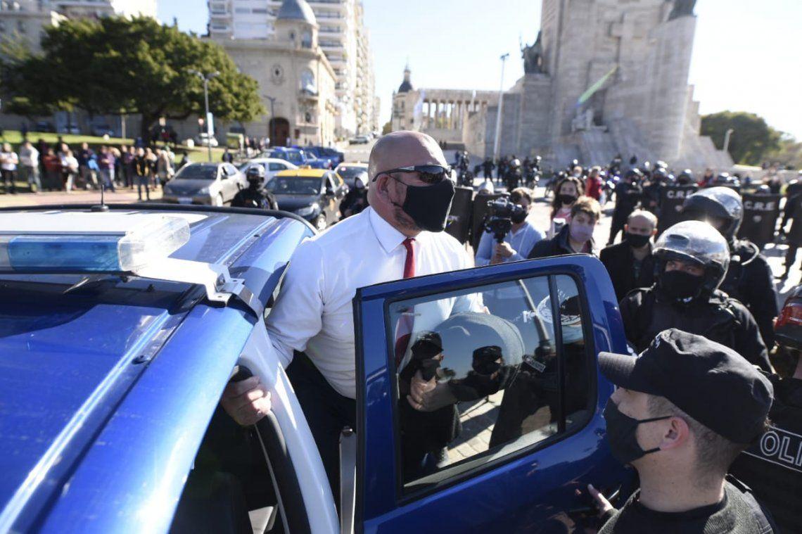 El neonazi Marcelo Darío Contreras fue detenido por la policía tras agredir a una fotógrafa.