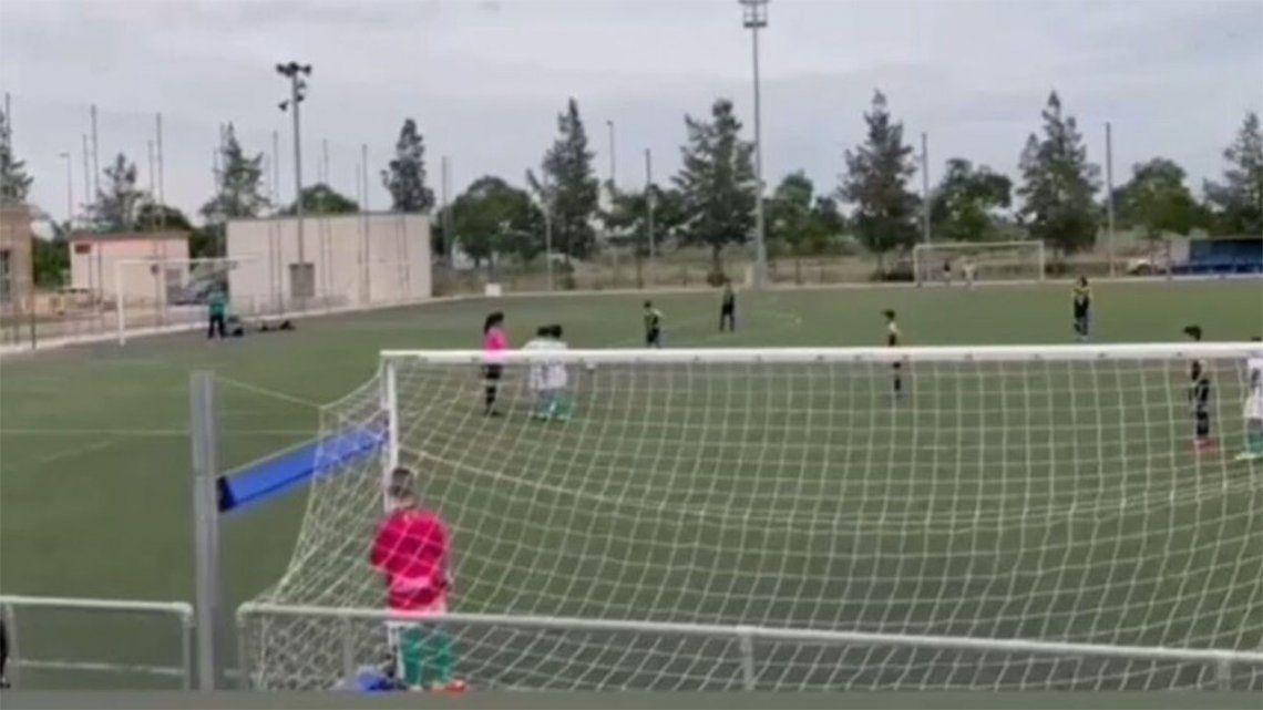 España: Una árbitra sufre insultos machistas durante un partido de fútbol infantil.