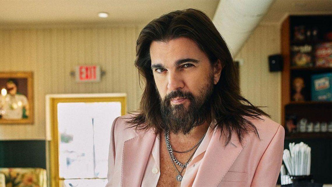 Juanes vuelve a la música de su infancia para un nuevo disco.