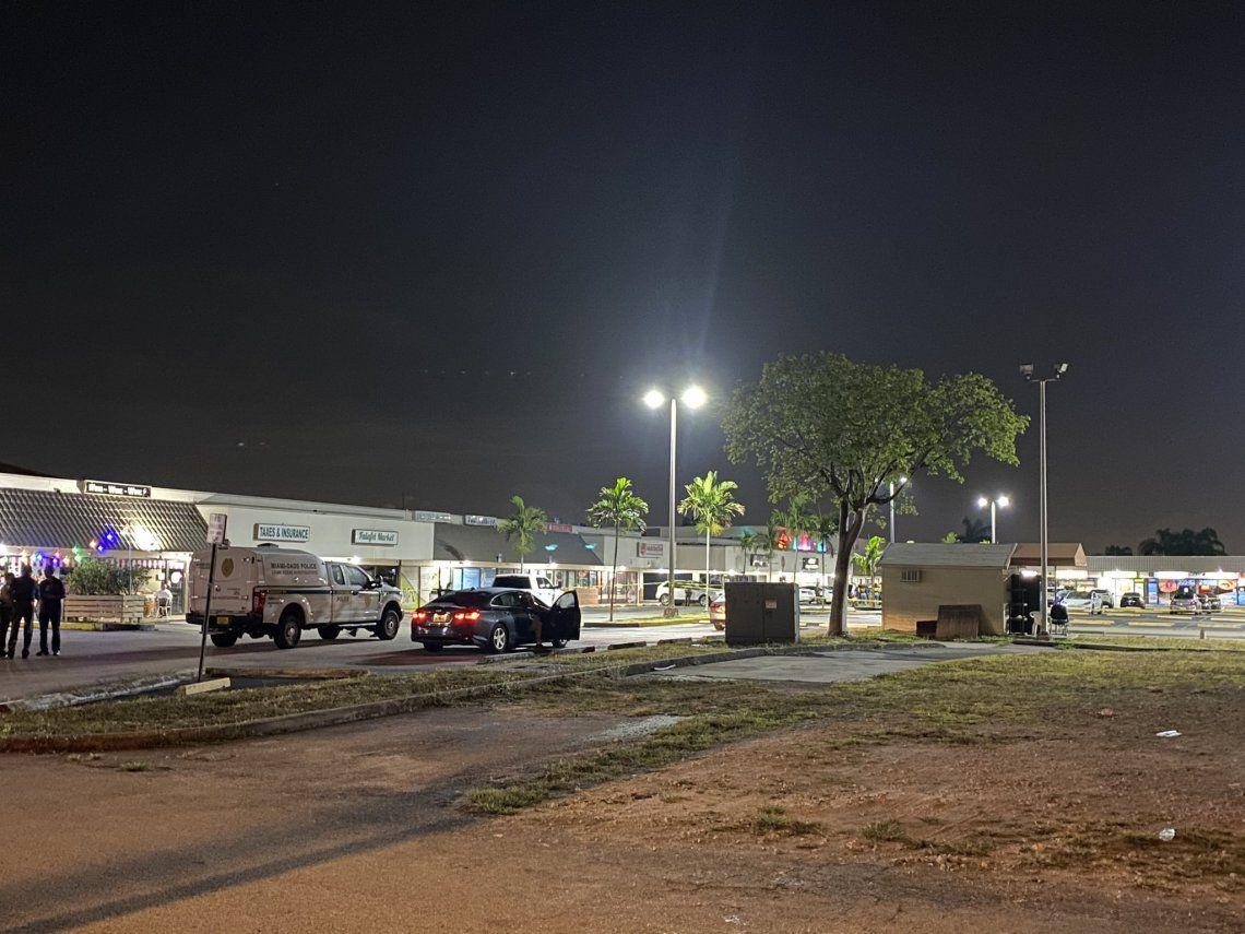 El tiroteo se produjo cuando terminaba un concierto en el salón de bodas en Florida.