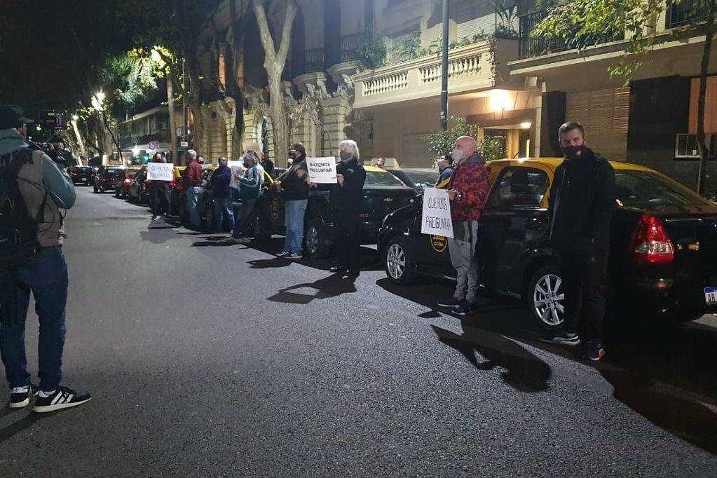 El escrache de taxistas frente a la casa de Patricia Bullrich