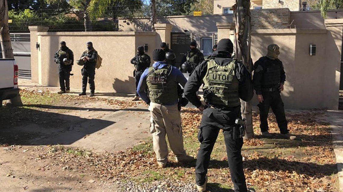 El líder de la banda criminal vivía en una lujosa vivienda en Parque Leloir