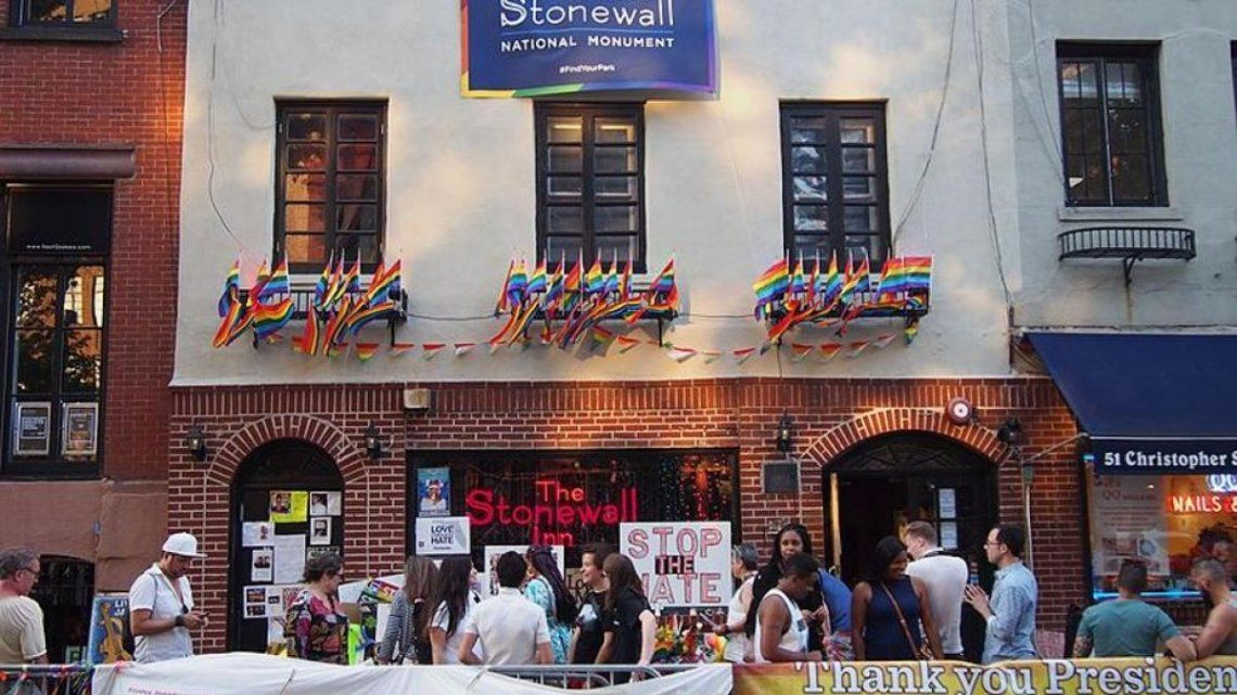 Orgullo Gay - En el bar gay Stonewall Inn