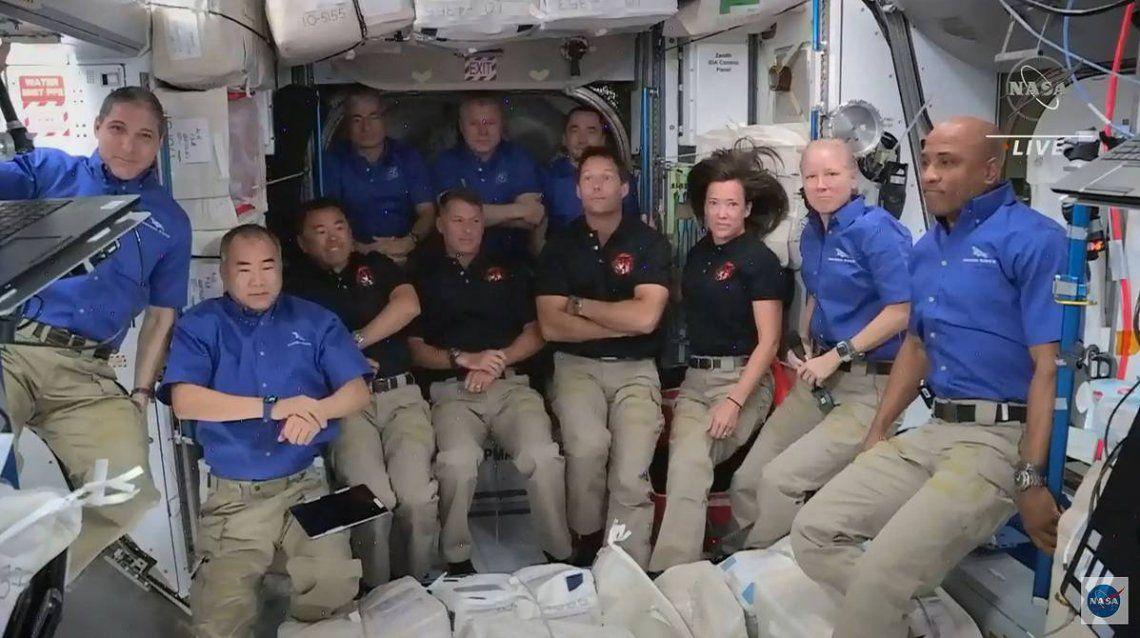 ¿Cómo se limpia la ropa interior en el espacio?