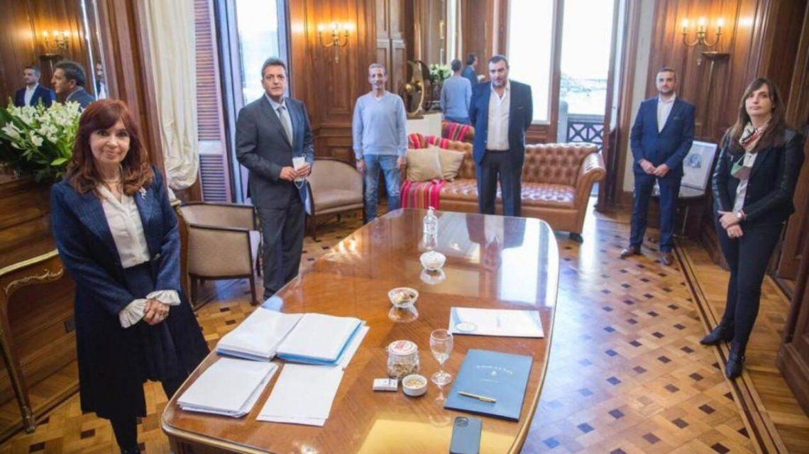 Los gremios del Congreso lograron un aumento del 40%. Lo firmaron con Cristina Kirchner y Sergio Massa