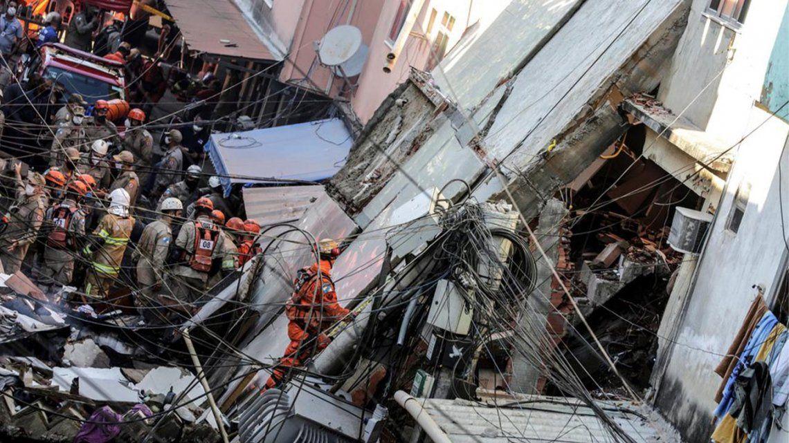 Brasil: Se derrumbó un edificio en Rio de Janeiro