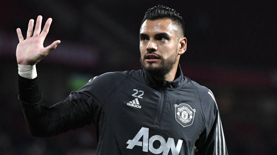 Sergio Romero se va de Manchester