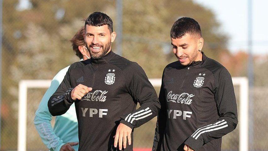 Sergio Agüero y Ángel Correa en Ezeiza.