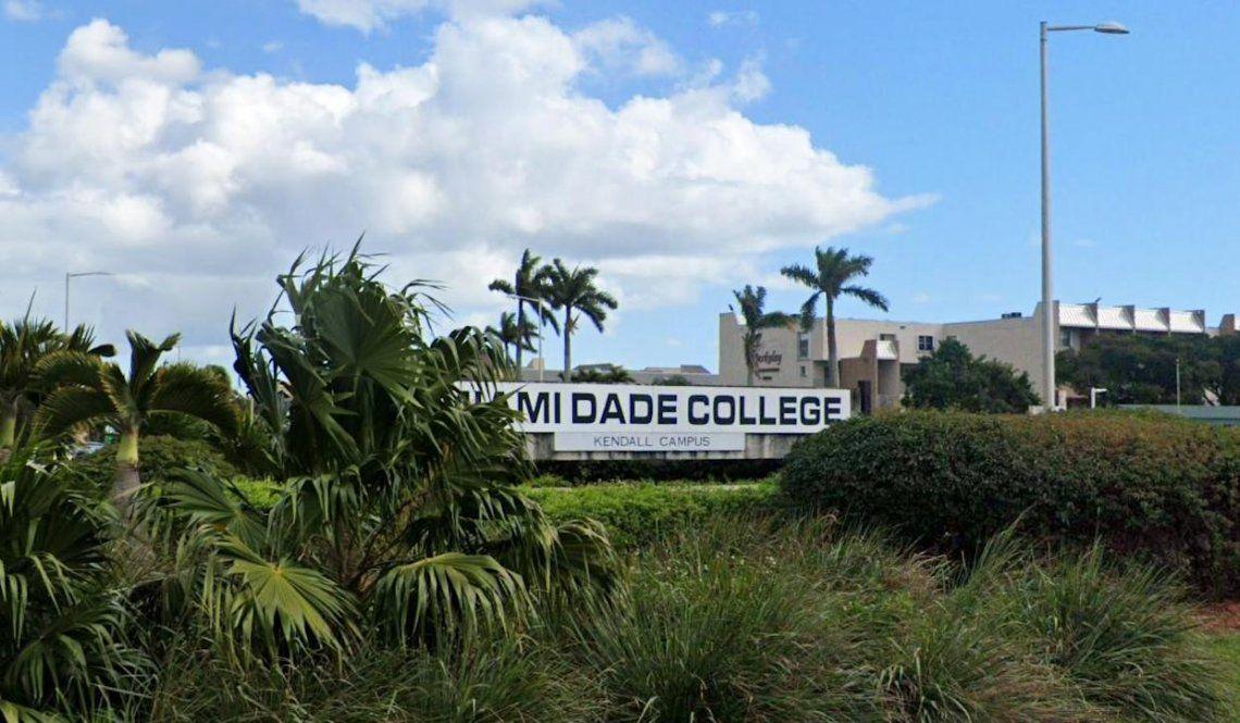 Tres personas murieron y al menos seis recibieron disparos durante una fiesta de graduación en Miami-Dade.