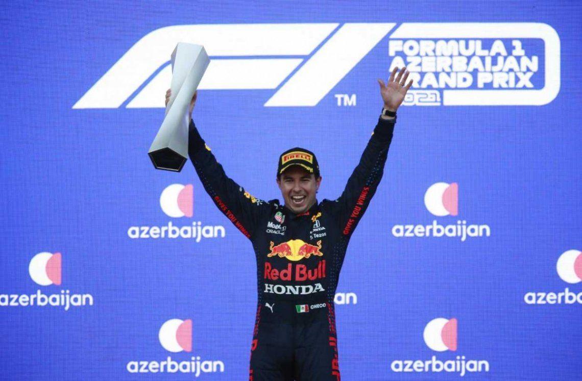 Pérez se impuso en el circuito callejero y junto con él se subieron al podio el alemán Sebastian Vettel y el francés Pierre Gasly.