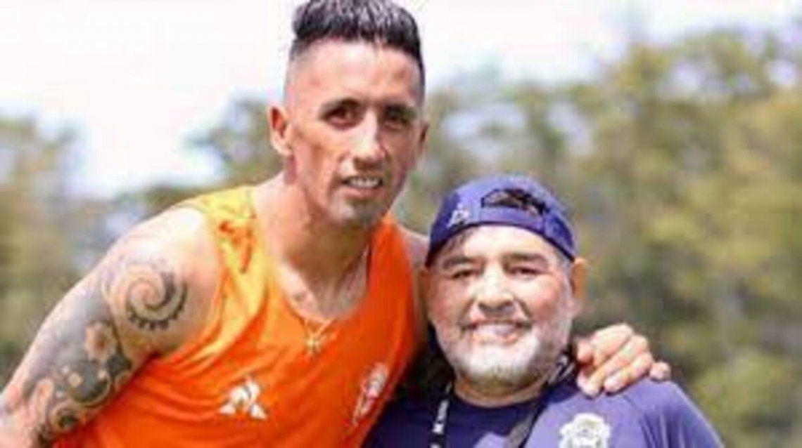 Diego llevó a Lucas Barrios a Gimnasia en enero de 2020.