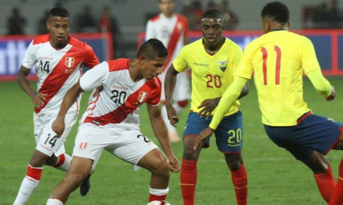 Ecuador y Perú se enfrentan mañana por las Eliminatorias Sudamericanas.