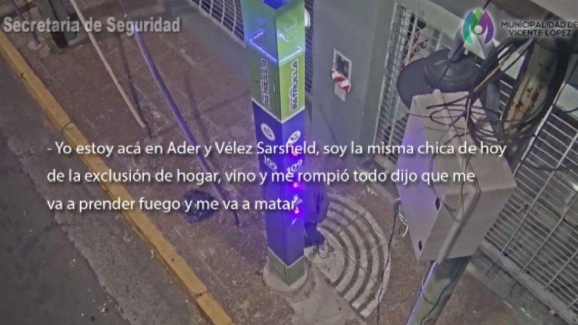 La mujer realizó la denuncia en un tótem de las avenidas Adem y Vélez Sarsfield.