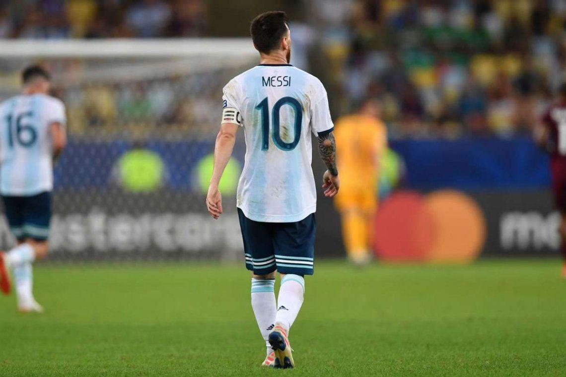 Lionel Messi todavía no firmo su renovación con el Barcelona y aparacen los interesados.
